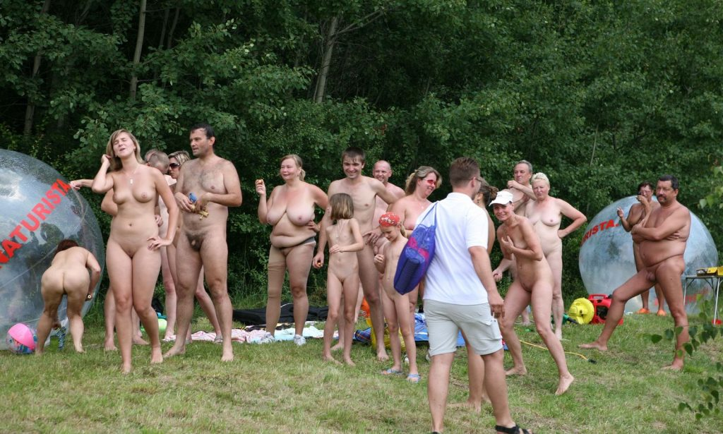 Nude family nudist