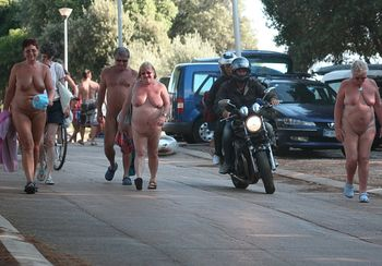 Nudist Families Returning Home