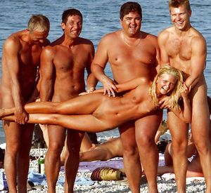 Funny Moments of Nudists Life